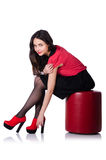 Femme essayant de nouvelles chaussures d'isolement Photo stock