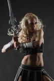 Femme et épée images libres de droits