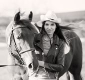 Femme et cheval Haut proche de verticale Rebecca 36 Image stock