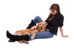 Femme et chien d'arrêt d'or. Images libres de droits