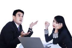 Femme et homme d'affaires travaillant ensemble Photo libre de droits