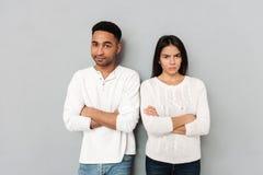 Femme et homme d'Uhappy d'isolement Photographie stock