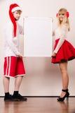 Femme et homme de couples avec la bannière vide Copiez l'espace Image libre de droits