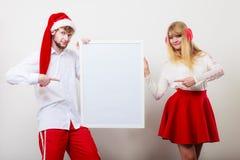 Femme et homme de couples avec la bannière vide Copiez l'espace Image stock