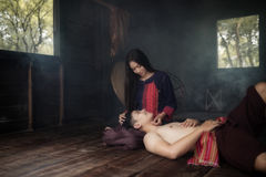 Femme et homme de couples dans le sentiment d'amour Photographie stock libre de droits