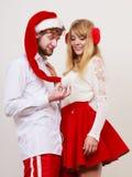 Femme et homme mignons heureux de couples Noël Image stock