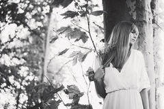 Femme et nature Photographie stock