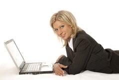 Femme et ordinateur portatif photos libres de droits