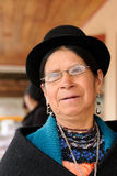 Femme ethnique des secteurs du village de Saraguro en Equateur Image stock