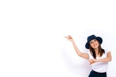 Femme exposant votre produit Photographie stock libre de droits