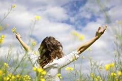 Femme exprimant le gratefulness Photo stock