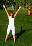 Femme faisant l'exercice Photo stock
