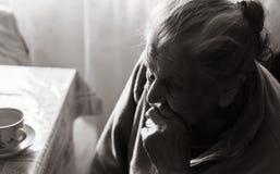 Femme fatiguée très vieille Photos libres de droits