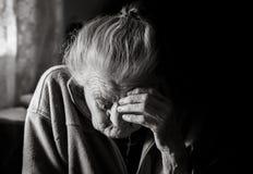 Femme fatiguée très vieille Photographie stock