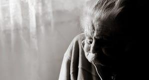 Femme fatiguée très vieille Photo libre de droits