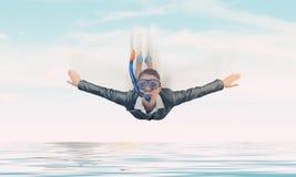 Femme flottant en ciel Media mélangé photos libres de droits
