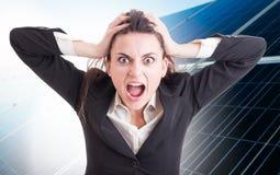Femme folle ou fâchée d'affaires criant Photos stock