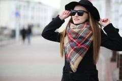 Femme française pour une promenade en premier ressort Photos stock