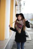 Femme française pour une promenade en premier ressort Images libres de droits