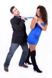 Femme frottant un homme avec sa relation étroite Photo stock