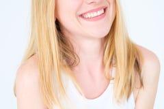 Femme gaie de sourire large heureux de visage d'émotion photo stock