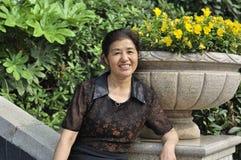 Femme âgée par milieu chinois Images libres de droits