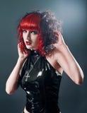 Femme gothique sexy de fétiche dans le studio images libres de droits