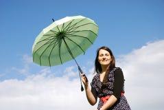 Femme heureuse à l'extérieur Photos libres de droits
