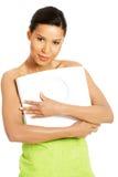 Femme heureuse avec l'échelle. photo libre de droits
