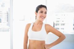 Femme heureuse convenable dans les vêtements de sport Images libres de droits