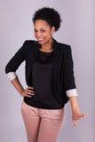 Femme heureuse d'affaires d'afro-américain - personnes de race noire Image stock