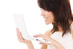 femme heureuse d'ordinateur portatif d'ordinateur images stock
