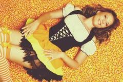 Femme heureuse de Halloween Photographie stock libre de droits