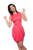 Femme heureuse de métis soulevant des bras joie photographie stock libre de droits