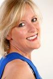 Femme heureuse de quarante ans images stock