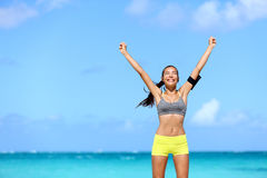 Femme heureuse de succès - accomplissement des buts de forme physique Photo stock