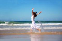 Femme heureuse de vacances Photo libre de droits