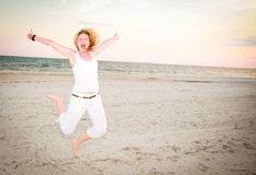 Femme heureux branchant pour la joie Photos libres de droits