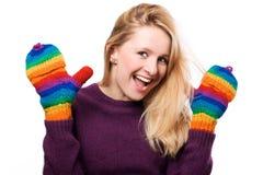 Femme heureux de beauté dans gants colorés Image libre de droits
