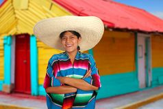 Femme hispanique mexicain latin de poncho de sombrero Photo stock