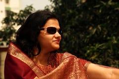 Femme indien dans le sari rouge Photo libre de droits