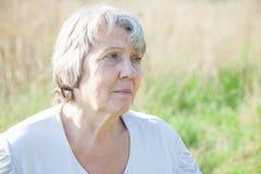 Femme inquiétée de vieillesse Image libre de droits