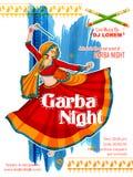 Femme jouant Dandiya en affiche de Garba Night de disco pour le festival de Navratri Dussehra de l'Inde Photographie stock libre de droits