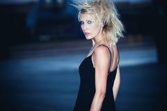 Femme la nuit Photo libre de droits