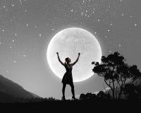 Femme la nuit Image stock