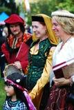 Femme médiéval avec la jeune fille Images libres de droits