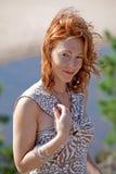 Femme mûr à la mer Photos libres de droits