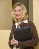 Femme mûr et confiant d'affaires Image stock
