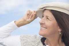 Femme mûre attirante de sourire de portrait Images stock