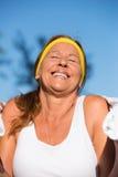 Femme mûre convenable d'active sûr heureux Image libre de droits